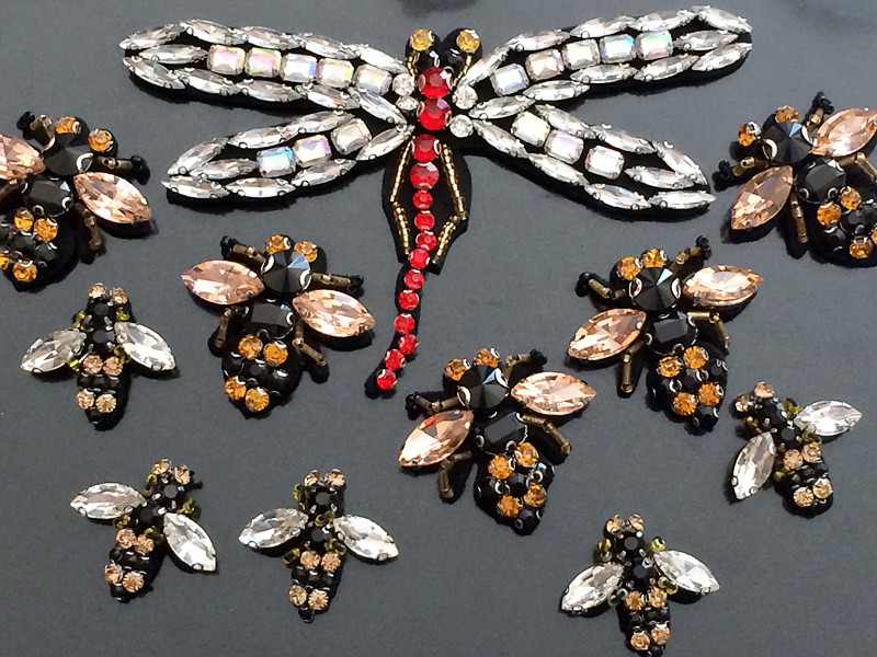 Retail Crystal Rhinestone Pearl bee and dragonfly  applique sowing On Beaded Patch for Headbands/coat AC321
