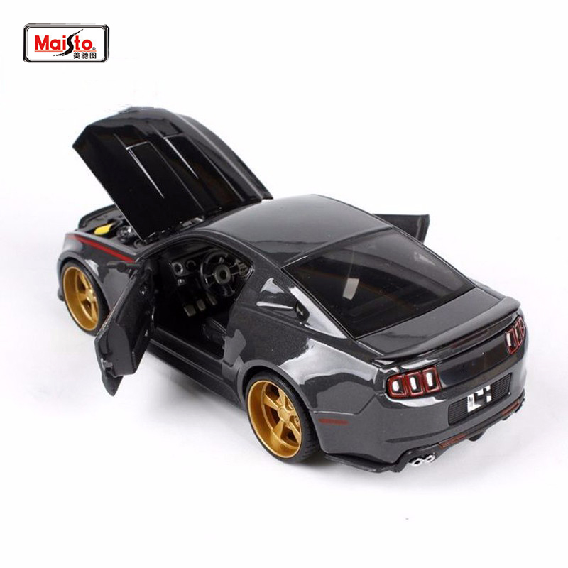 Kids Toys Maisto 1:24 diecast Car model 2014 Street Racer Modified Alloy Vehicles Cars Car Gift Car Toys for Collection ...