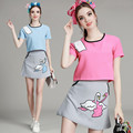 Verão Bonito Mulheres de Duas Peças set Top Bordado Cisne Camisa Ternos de Saia Da Senhora Da Forma de Manga curta Blusa Azul Rosa conjunto NS293