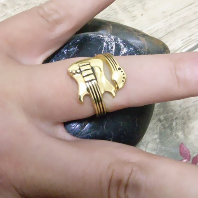 Rock Guitar Ring