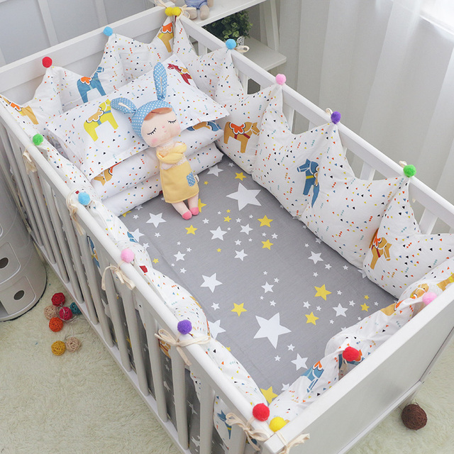 5 pcs/set Fairy Tale Cockhorse Baby Bedding Set Cotton Baby Cot Linens Crown Shape Crib Bumpers Bed Sheet for Baby Boys Girls