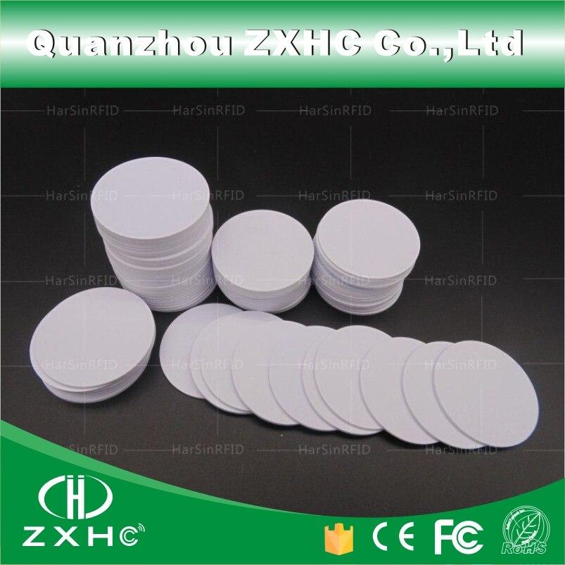 bilder für (100 stücke) wasserdicht 25mm x 1mm RFID 125 KHz Tag PVC Münze Karte mit TK4100 (kompatibel EM4100) für Die Zugangskontrolle