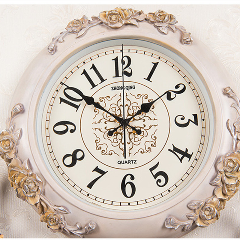 European style clock living room hanging bell deer head creative fashion quartz clock Nordic atmospheric art decorative clock - 4
