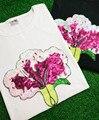 Большой размер tee Свободные 2017 Новый урожай О-Образным Вырезом топы тис свободные лето sexy party девушка вышивка розовые Цветы Блестками женщины футболка