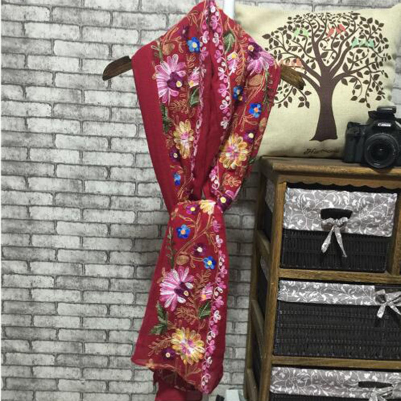 winter bandana women scarf Ethnic embroidery Fluid Systems Brand head scarf new scarves shawl Christmas gifts A185