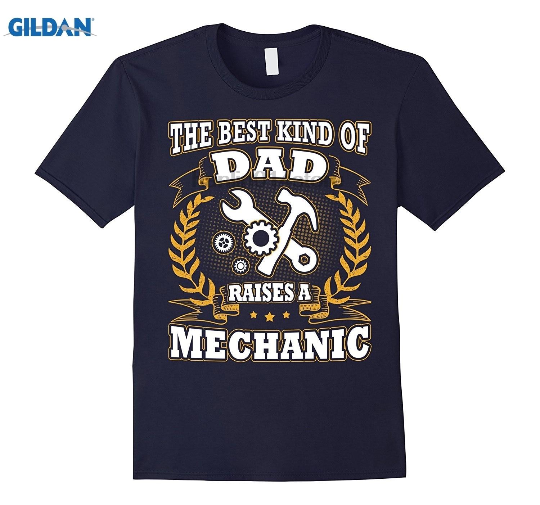 GILDAN The Best Kind Of Dad Raises A Mechanic Fathers Day T-Shirt