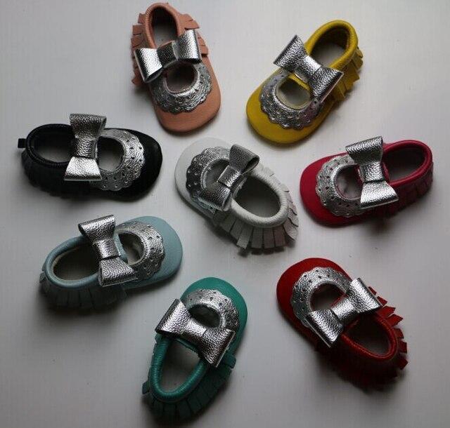 Весной и летом новый дизайн Мэри джейн цветок детское платье обувь Кожа коровы Детские Мокасины серебряный лук Девочек Малыша дети Mocc