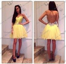 2015 nach Maß Eine Linie Scoop Applique Spitze Kurze Cocktailparty-kleider Gefaltetes Gelb Prom Kleider Open Back Kostenloser Versand