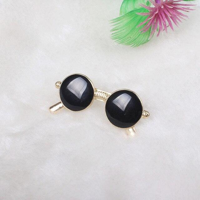 Модная брошка черные очки 2