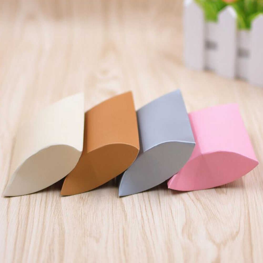 100 pçs/set colorido travesseiro caixa de doces presente malote caixa de papel kraft favores de casamento presente caixas de doces fonte de festa de casamento