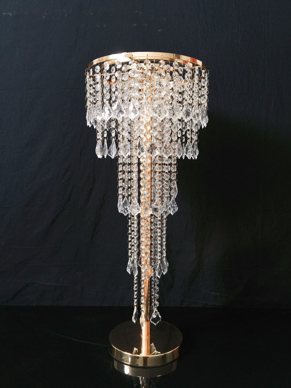 Wedding T Station Decorations Gold Table Centerpiece Flower Stand 5 Tiers Crystal Chandelier with beads strands Wedding PropsWedding T Station Decorations Gold Table Centerpiece Flower Stand 5 Tiers Crystal Chandelier with beads strands Wedding Props