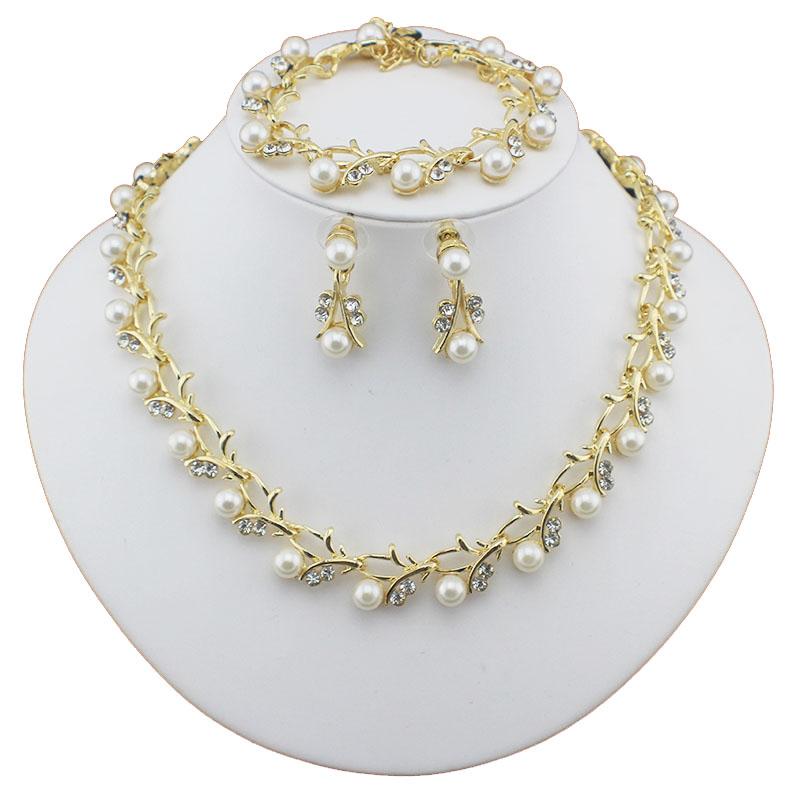 HTB1Wf9bSFXXXXXeapXXq6xXFXXXr Luxurious Pearl And Crystal Wedding Party Jewelry Set - 5 Colors