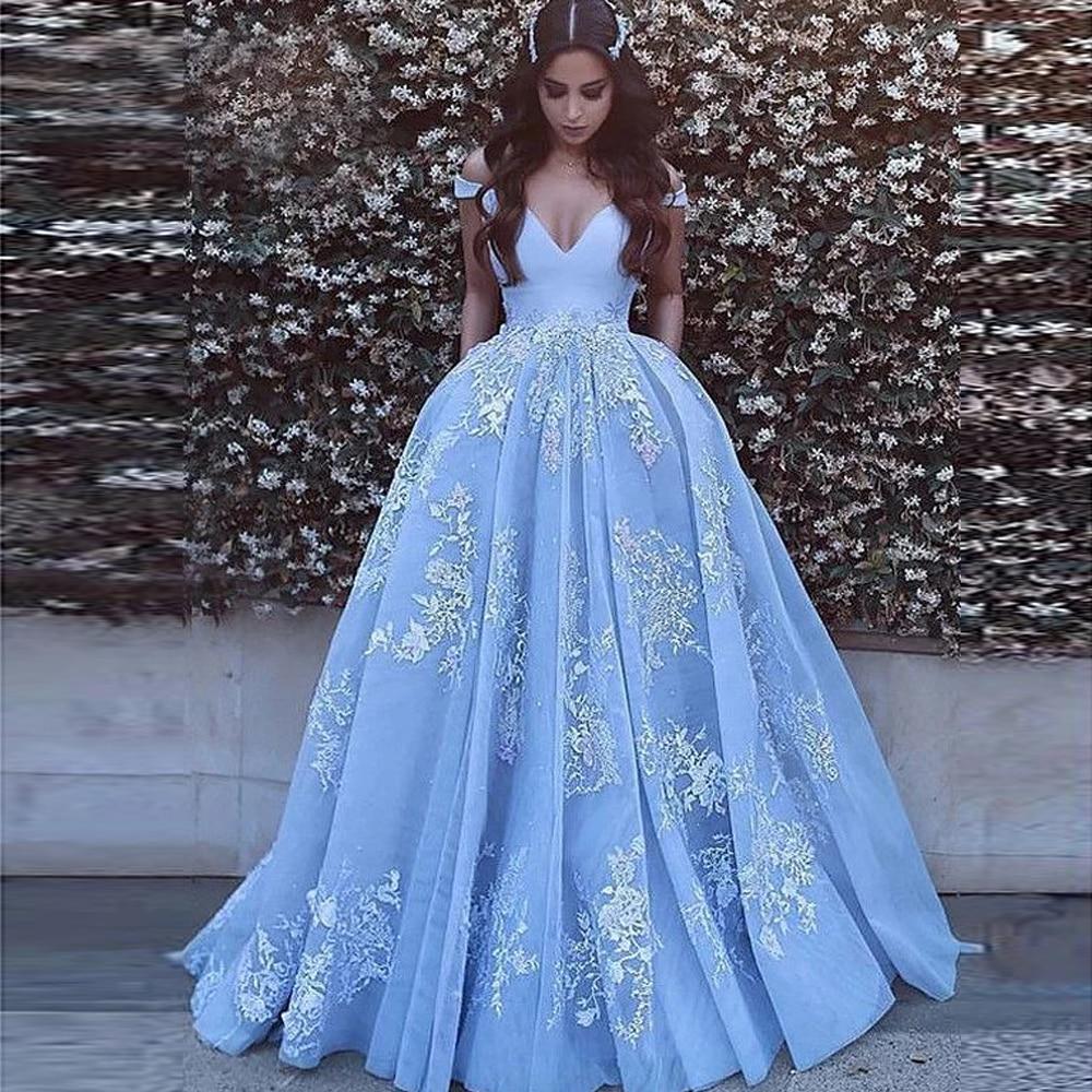 Elegant Off Shoulder Ball Gown Satin Prom Dresses Robe De Soiree Floor Length Lace Applique Prom Evening Gown Quinceanera Dress