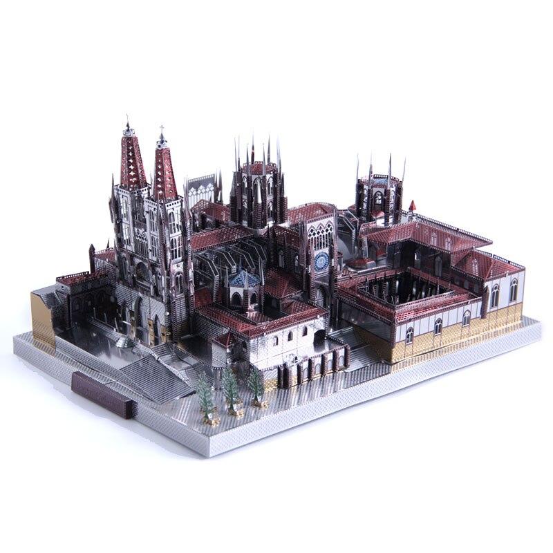 Microworld 3D métal puzzle Burgos Cathédrale bâtiment Modèle DIY Laser Cut Puzzle cadeau Pour Adultes Jouets Éducatifs Bureau décor