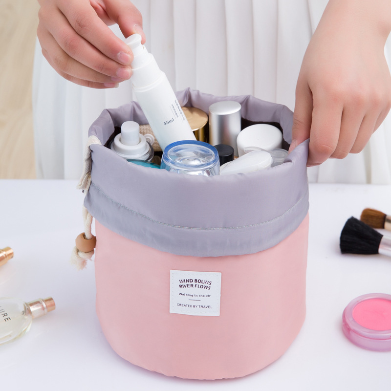 IUX New Arrival Barrel Shaped Travel Cosmetic Bag Nylon High Capacity Drawstring Wash Bags Makeup Organizer Storage Wholesale