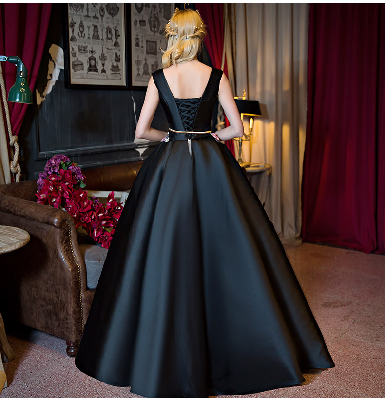 luxury black satin v neck embroidery ball gown medieval Renaissance Gown  queen Dress Victoria Marie Antoinette Belle-in Game Costumes from Novelty    Special ... f303b608699c