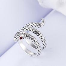 Женское кольцо змея из серебра 925 пробы с кристаллом в виде
