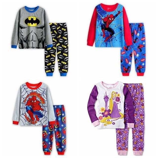2017 Nuevo diseño de dibujos animados cuello redondo niños pijamas de  algodón conjunto para niños pijamas 624000451e43