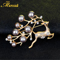 High Quality Imitation Pearls ChristmasBrooch Cute Crystal Deer Pins for Women Gold Plated Animal Cameo Broche XZ021