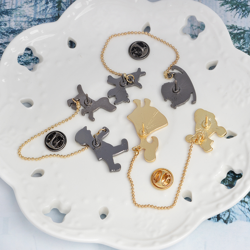 Cartoon Santa Claus Sled Deer Elk Girl Dog Poodle Brooch Pin Buckle with Chain Denim Jacket Shirt Laple Pin Badge Jewelry Gift