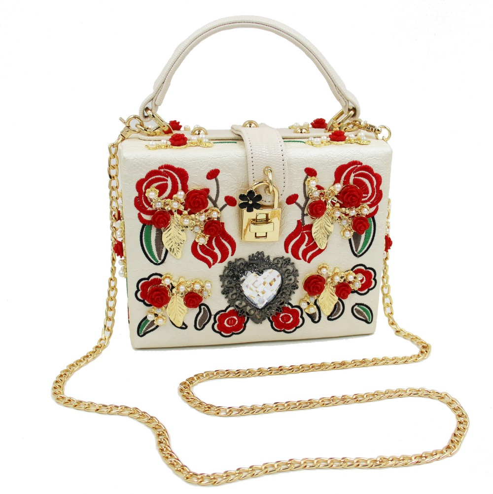 fd4c3fdca06b Vintage Style Embroidery Printed Floral Evening Bags Flap Shaped Fashion Lock  Heart Clasp Clutches Bags Black White Color-in Clutches from Luggage   Bags  on ...
