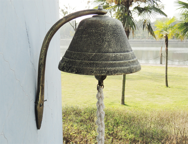 Large Cast Iron Dinner Bell Welcome Hanging Bell Western Farm Ranch ...