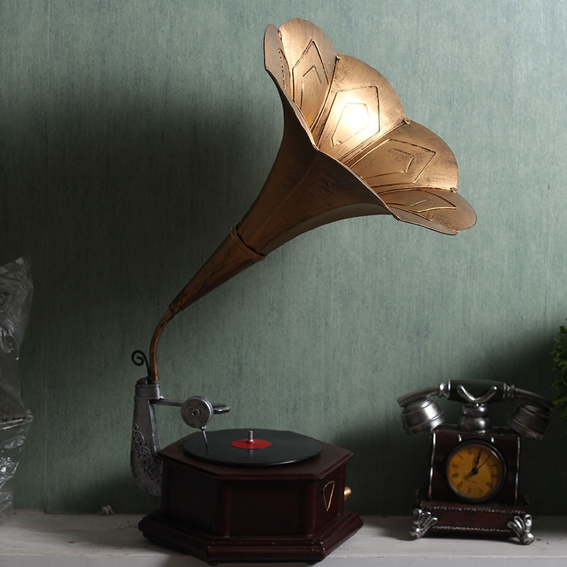 Vintage Metal Retro Phonograph Model Record Player Antique Gramophone Turntable Model Home Bar Crafts Iron Handicraft Ornaments in Figurines Miniatures from Home Garden