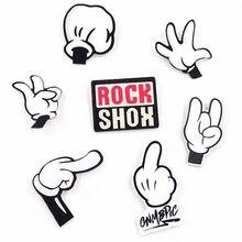 Новая популярная 1 шт. акриловая брошь с изображением Микки Мауса, рок-мультика Харадзюку, Значки для девочек, булавка, украшение для рюкзака, броши для рукоделия