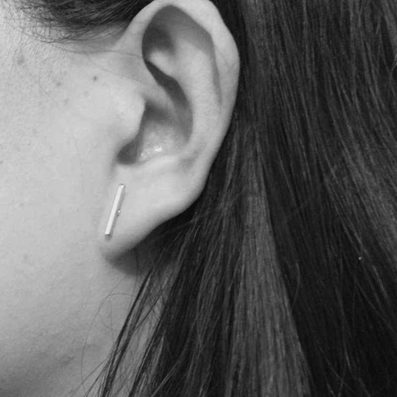 แฟชั่นใหม่ซิลเวอร์โกลด์พังก์ที่เรียบง่ายทีบาร์สำหรับผู้หญิงหูS Tud E Arringsวิจิตรเครื่องประดับเรขาคณิตB Rincos Bijouxของขวัญ