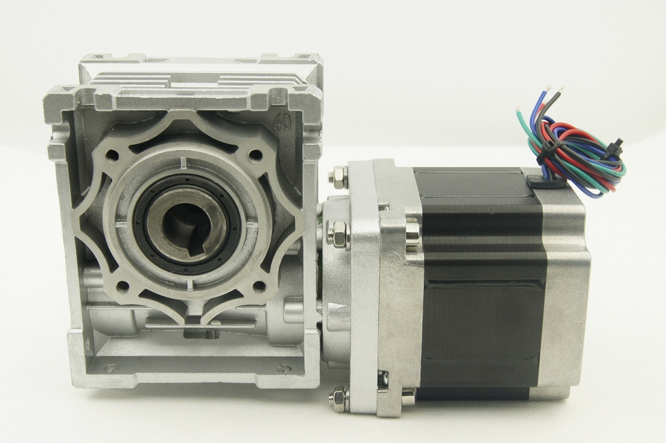 High Torque NEMA34 4-lead Stepper Motor with worm gearbox 4.5N.m Motor Length 80mm Worm Gear Ratio 1:5 with output shaft ratio 10 1 gear stepper motor nema34 stepping motor with gearbox 3nm 4a 86byg l66mm shaft 15mm for cnc router new