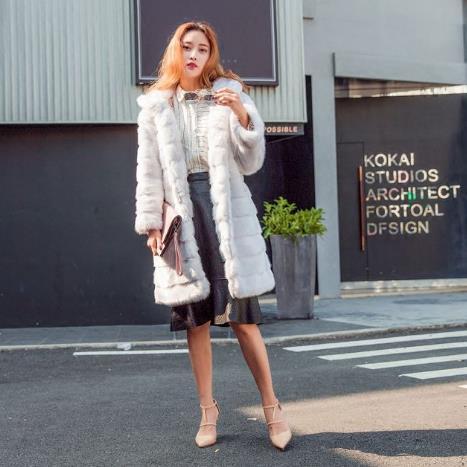J391 Tamaño Abrigo Capucha Faux gris Las Caliente Coat negro Mullido  Invierno De 2018 Elegantes Señoras rosado Blanco Mujeres ... 3dc538ec98e0