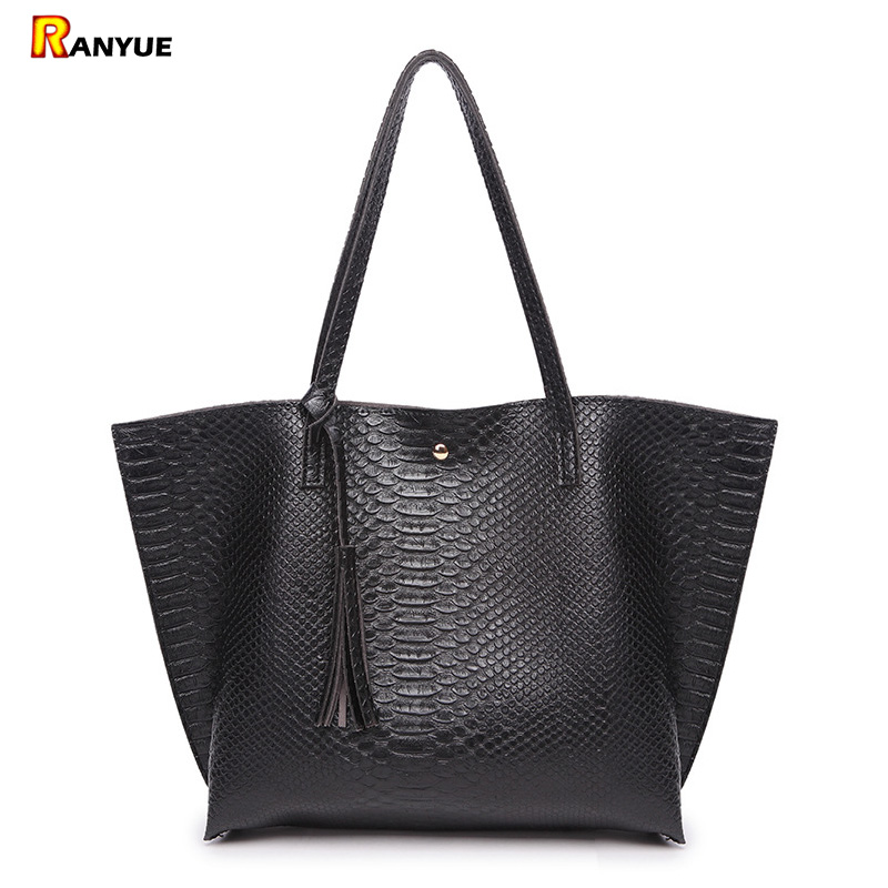 Luxury Brand Designer Crocodile Women Shoulder Bags Pu Leather Alligator Women Bag With Tassel Women Handbag Purses Big Bolsa ayman nazzal translation as a hyponym of an intercultural communication encounter
