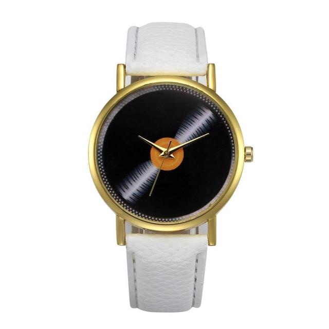 Best Sale 2018 Fashion female watch Women Bracelet Watches Retro Digital Dial Le