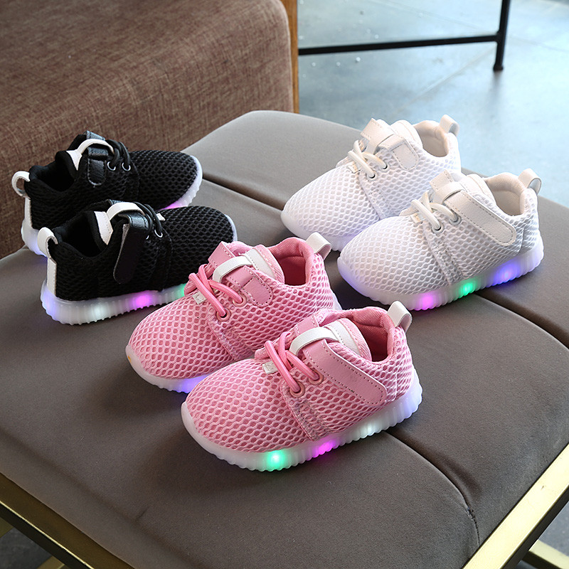 2018 Fashion Sneakers Newborn Baby Crib Shoes Boys Girls Infant Toddler Soft Sole First Walkers LED Shoes Luminous Sport Shoes