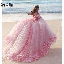 新しいパフィースカートピンク大人のドレス 3D 花 vestidos デ 15 各公報ブライダルドレスチャペルの列車