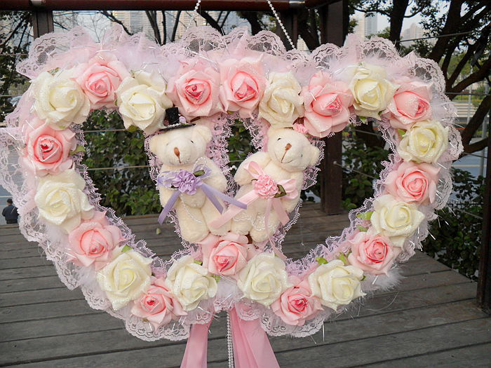 big wedding room decoration artificial heart double foam roses lace door wreaths cream new. Black Bedroom Furniture Sets. Home Design Ideas
