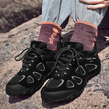 XIANG GUAN Men Hiking Shoes Non-slip Wear-resistant Climbing Winter Outdoor Walking Travel Comfortable Ladies hiking shoes