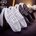 Мужская весной и летом отдых обувь прохладный мужская скольжения на белом холсте обувь прохладный моды плоские мокасины sapatos hombre