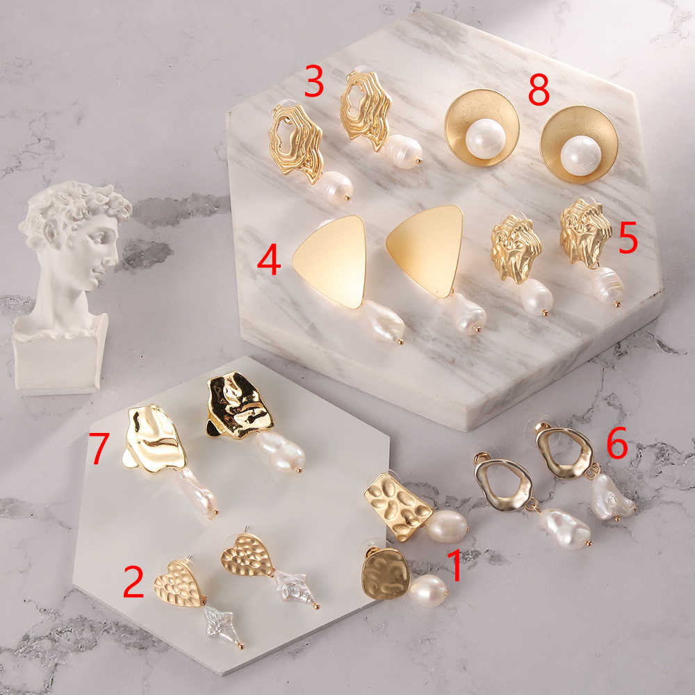 Moda mate Metal oro amor corazón triángulo geométrico Irregular Natural perla de agua dulce joyería pendientes para mujer joyería