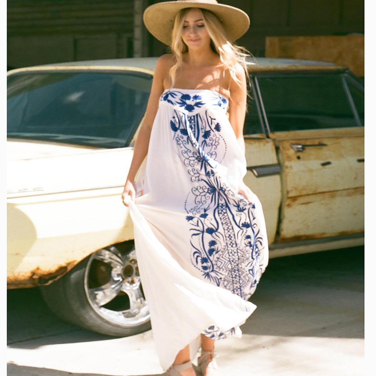 Broderie blanche Maxi robe femmes Vintage Chic sans bretelles Sexy robes 2019 vêtements d'été plage Hippie Boho Floral lâche robe