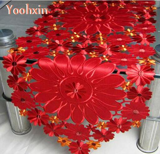 Modern Satin Red Table Runner Cloth Cover Flag Embroidery Lace Tea Bed Tablecloth Mantel Nappe Home Xmas Christmas Wedding Decor