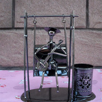 Creative gift vintage crafts metal steel iron swing ornaments retro decoration desktop gifts pen holder musician figures