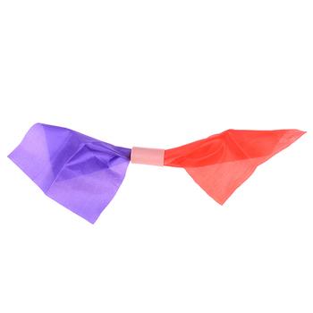 1 sztuk podwójny kolor zmiana Hanky jedwabne magiczne sztuczki 2 zmiany wspaniałe magiczne kameleon jedwabiu znikają magiczna zabawka i Prop tanie i dobre opinie DIAPER CORED COTTON CN (pochodzenie) 7-12y 12 + y 4-6y Unisex Jeden rozmiar Double Color Changing Hanky Silk Beginner Nauka