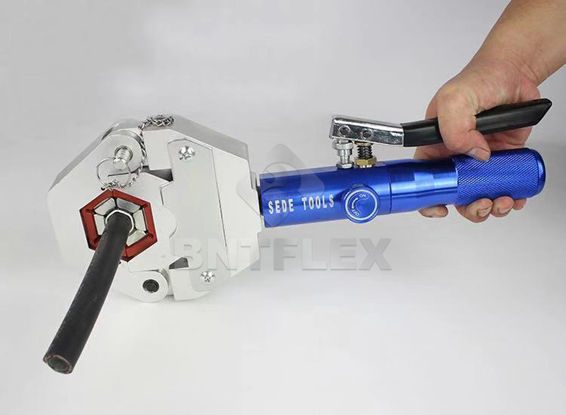 HTB1WhzeX0fvK1RjSspfq6zzXFXaz - A/C hose crimping tool pipe joint clamp type FS-7842 Manual Car air conditioning tube press small hydraulic crimping machine