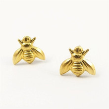 Simple Cute Honeybee Stud Earrings Gold Silver Bee Earrings for Women Girls Lovely Tiny Small Insect Earrings Wholesale