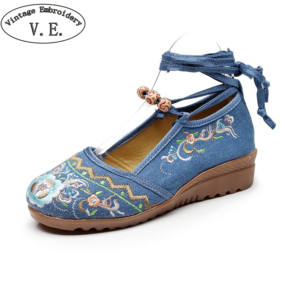 Vintage Embroidery Old Peking Shoes For Women 2018 New Spring Autumn Flower Embroidered Woman Shoes Causal Soft  Beading Flats plus size 42 vintage embroidered women shoes flats old peking flower embroidered canvas linen shoes sapato feminino ballet shoes