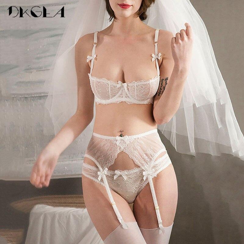 7947033eb8 Conjunto de lencería con bordado de las mujeres 1 2 taza blanca Sexy Bra conjunto  3 piezas Bra + bragas + liga de encaje sujetador transparente conjunto de  ...