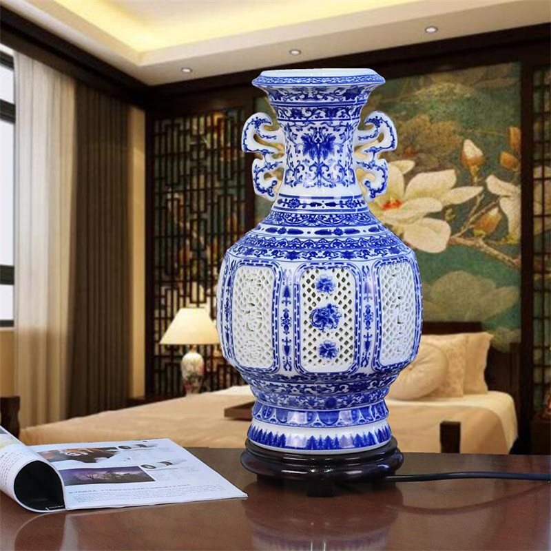 Handmade White Blue Chinese Porcelain Table Lamp Living Room Office Home Ceramic Vase Modern Decorative Desk