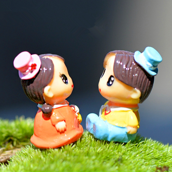 Sale 1pc lover boy and girl figure fairy garden miniatures gnomes moss terrariums for dollhouse home decorations accessories