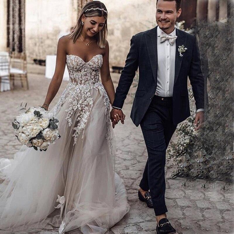 Ilusão Backless Elegante País DressesSweetheart Nupcial Boho Vestidos de Noiva Uma Linha Sem Mangas Frisado Apliques de Vestidos de Noiva